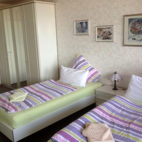 Schlafzimmer Monteurwohnung Waterkant