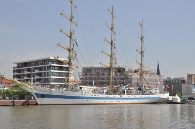 Segelschiff Mir beim Seestadtfest