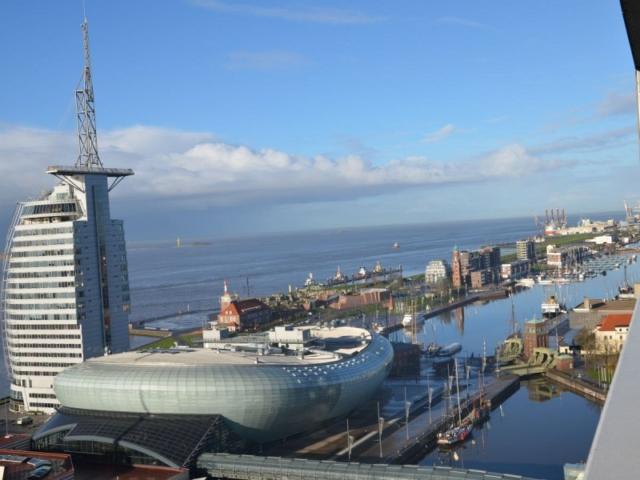 Meerblick vom Balkon der Ferienwohnung Bremerhavenblick