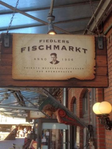 Fiedler´s Fischmarkt im Fischereihafen